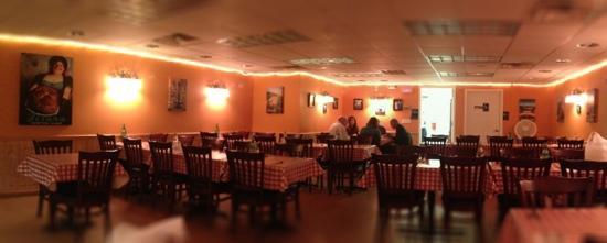 Danny's Fettuccine Bar: The dining room