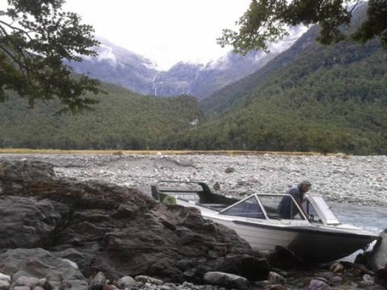 Wanaka River Journeys: Brent mooring the Boat while we all went for walk in the East arm of Matukituki river