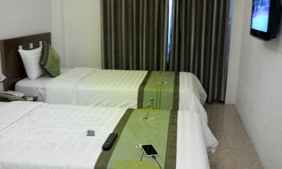 Green Diamond Hotel: double-bed room