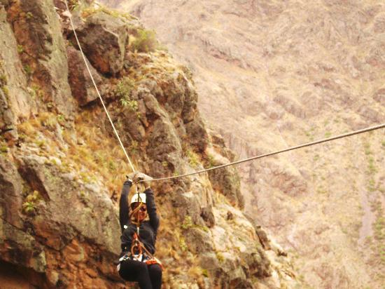 Natura Vive: Doing the Zip Line