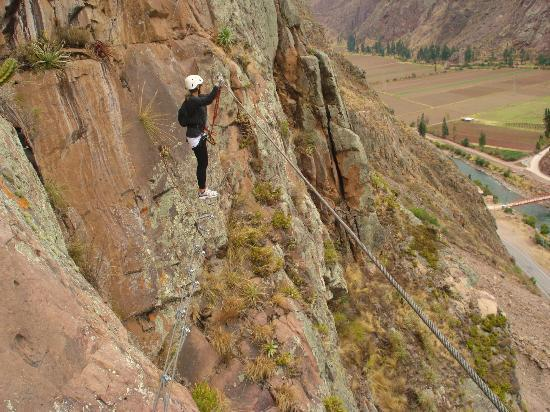 ‪‪Natura Vive Sacred Valley Via Ferrata & Zip Line‬: Tension Cable (Via Ferrata) Spooky!!!‬