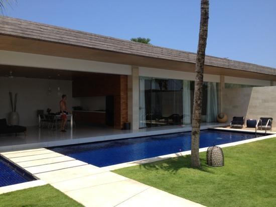One Eleven: villa