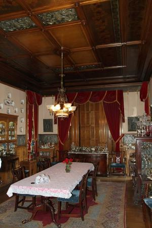 Copper King Mansion: The Dining Room Where You Enjoy Breakfast!