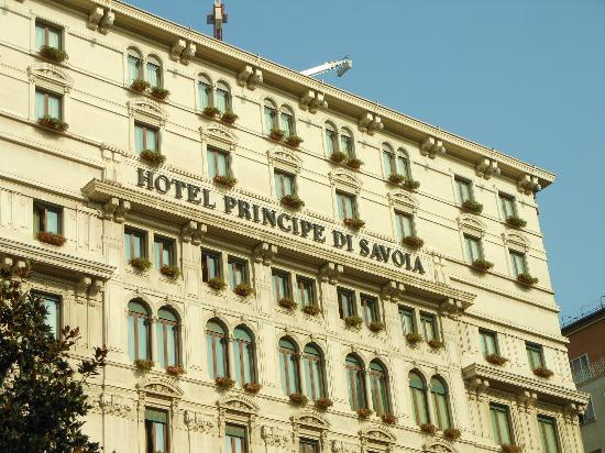 Hotel Principe Di Savoia: Front of hotel SEP2012