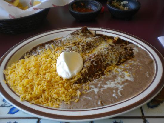 El Agave : Chicken Enchiladas with Mole Sauce