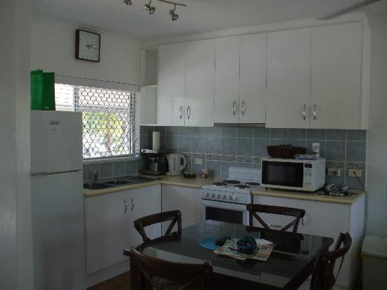 Clifton Sands Holiday Apartments: updated kitchen