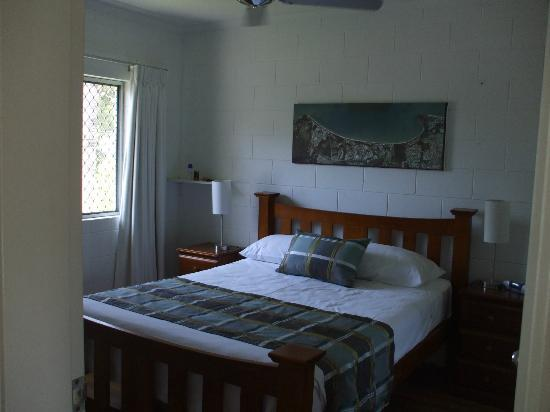 Clifton Sands Holiday Apartments: bedroom