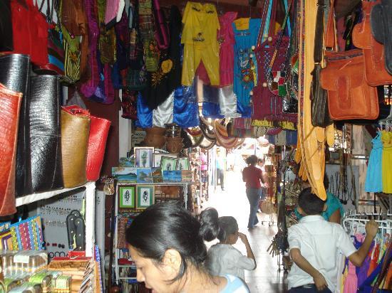 Hotel Condovac la Costa: Market