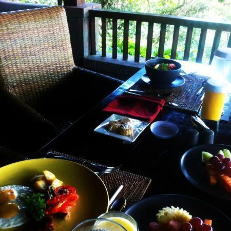 بيداداري برايفيت فيلاز آند ريتريت: Villa Tunjung - Breakfast (Dinning Area) 