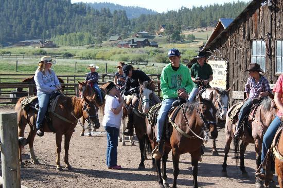 Tarryall River Ranch: getting ready to go horseback riding
