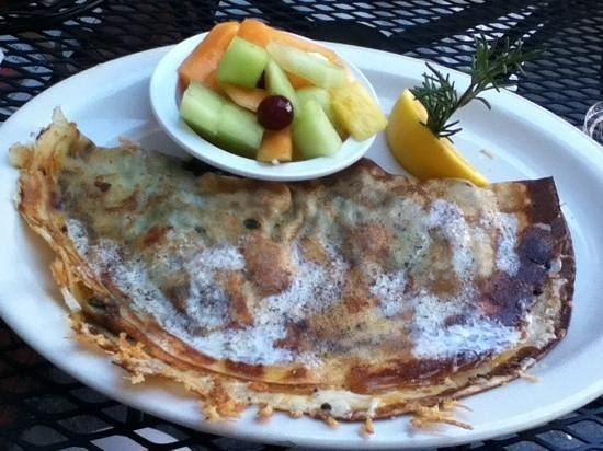 The Crema Cafe: spinach & mushroom crepes
