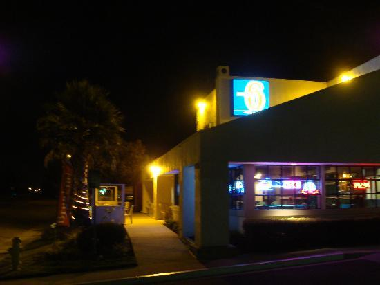 Motel 6 San Simeon : Quiet after Dark