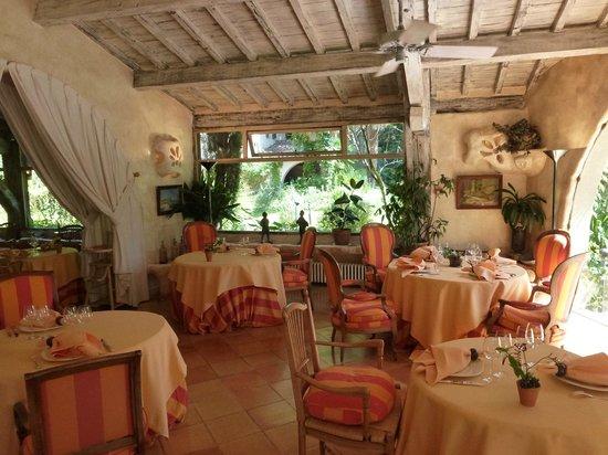 Le Chateau de Riell: salle de restaurant