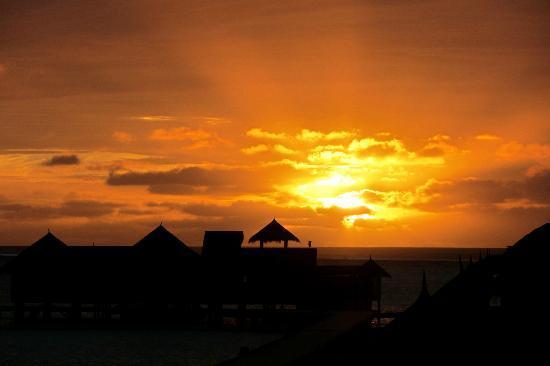 Gili Lankanfushi Maldives: sun rise