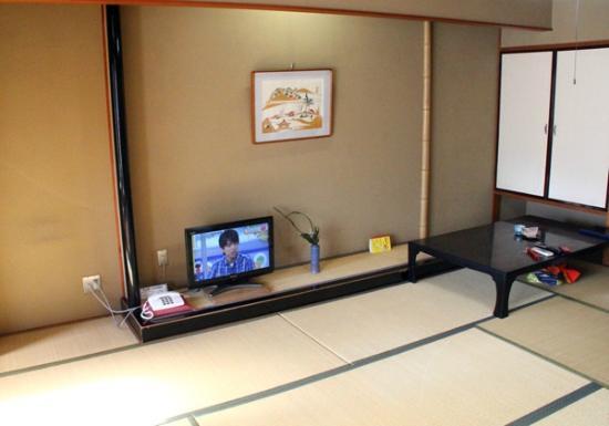 Yutei Konya: 部屋