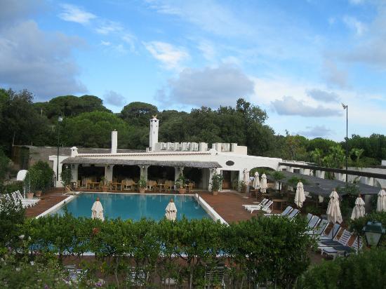 Garden & Villas Resort: la piscina