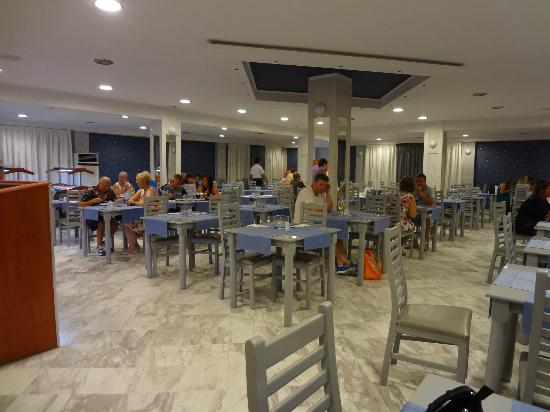 Golden Sun Hotel: Restaurant