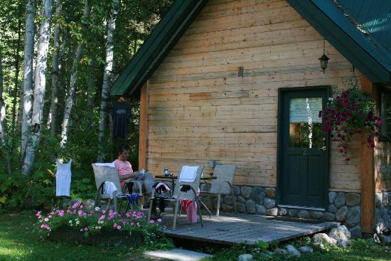 Across The Creek Cabins : the cabin