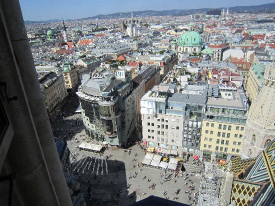 Hotel Am Stephansplatz : View from Church Tower Down to Square / Hotel