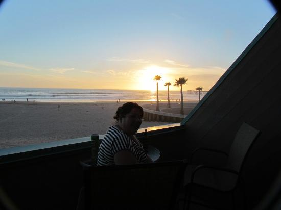 SeaVenture Beach Hotel: Watching the sun set.
