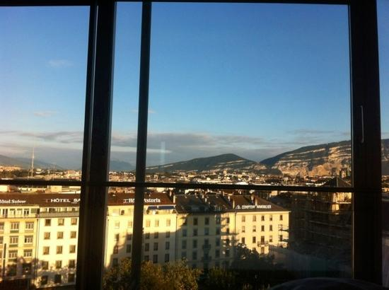 Cornavin Hotel Geneva: View from the 8th floor rooms