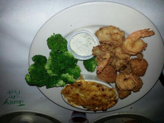 Big Fish Grill: seafood combo