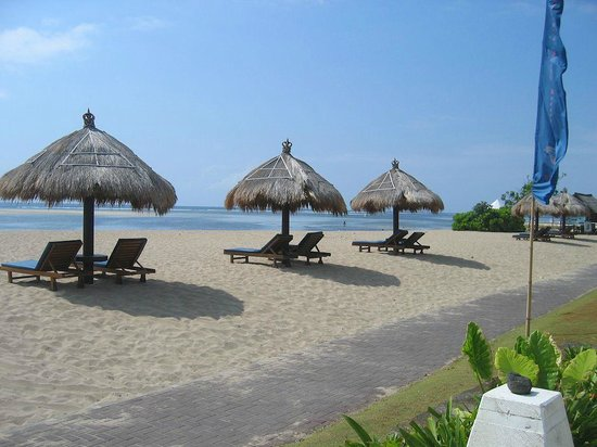 Peninsula Beach Resort Tanjung Benoa: beach at the Peninsula Beach Resort, Bali