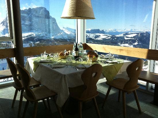 Dantercepies Mountain Lounge 2300mt: Sala Ristorante Gardena