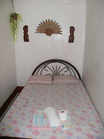 Trafalgar Cottages: Bed
