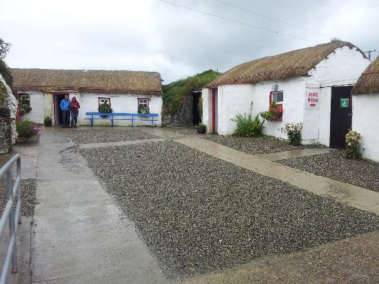 Ballyliffin Hotel: Doagh Famine Village, Doagh Isle