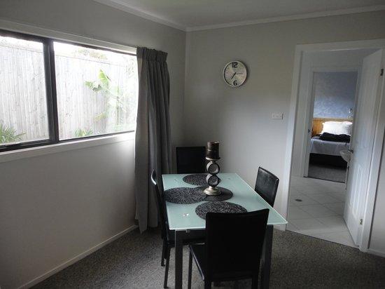 Aataren Norfolk Island Villas: Dining Room