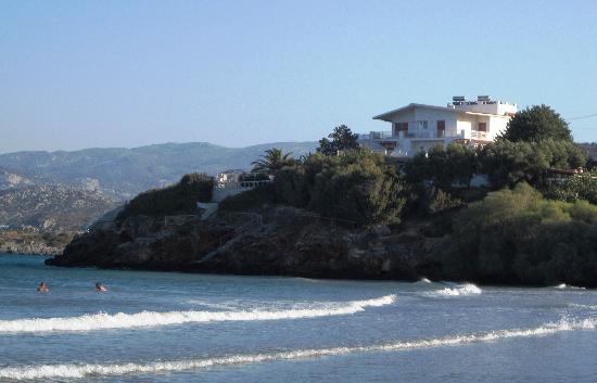 Argyro Rent Rooms: Almyro beach