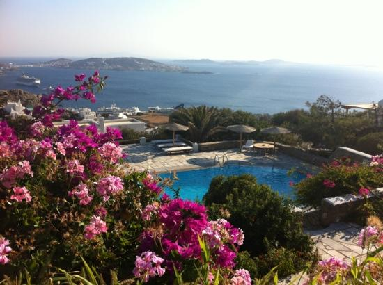 Agnandi Mare: Vue from the pool