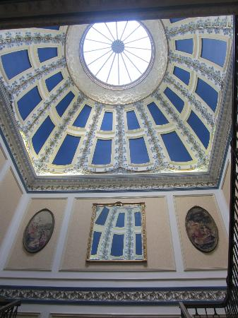 Shrigley Hall Hotel, Golf & Country Club: The beautiful domed ceiling above the main stairs