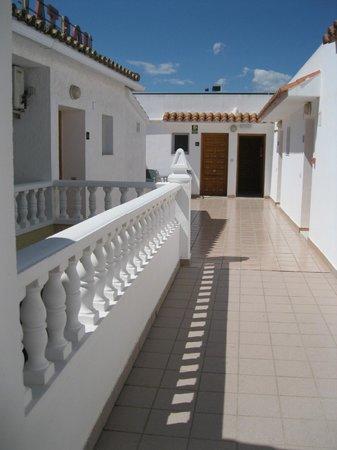 Hotel Noguera: PASILLO PRINCIPAL