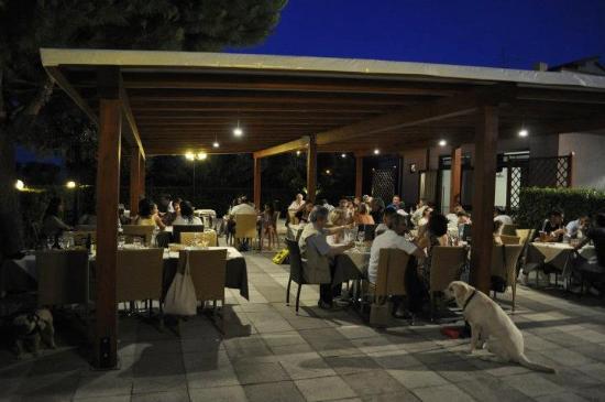 La Coppetella : cenare all'aperto...