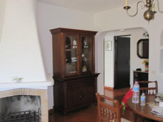 Rocha Brava Village Resort: Living room