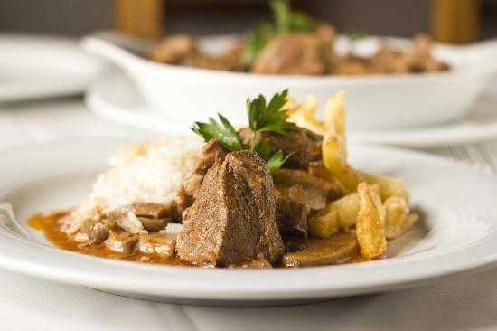 O Nordeste Transmontano: Vitela Estufada com Cogumelos | Veal Stewed with Mushrooms