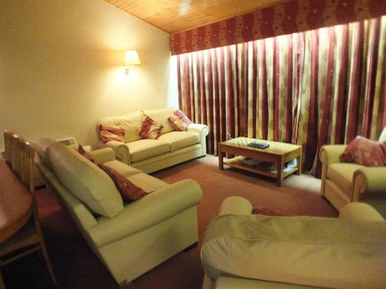 Hilton Grand Vacations Club at Craigendarroch Lodges: lounge with new sofas