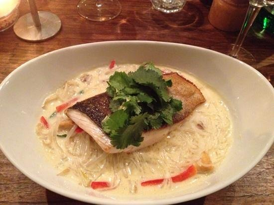 Union Bank Wine Bar & Dining: market fish with lakes