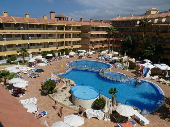 Piscine picture of hovima jardin caleta la caleta for Aparthotel jardin caleta costa adeje tenerife