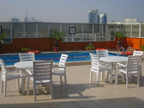 Imperial Suites Hotel: Swimming Pool