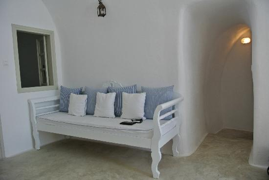 Nostos Apartments: Standard Room