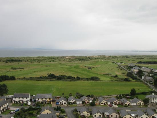 Royal St. David's Golf Club: 2nd Hole from Harlech Castle