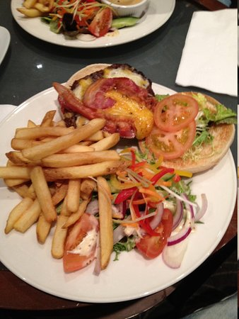 CityNorth Hotel & Conference Centre: burger and fries from the bar menu