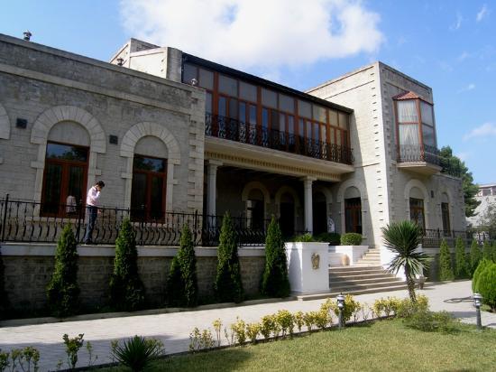 Azerbaijan: BAKU: Villa Petrolea