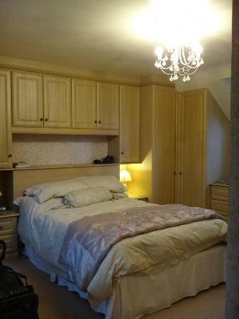 Bryn Awelon: Our room