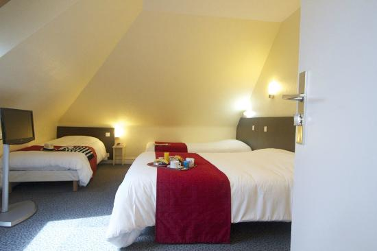 Hotel leopol : Chambre quadruple