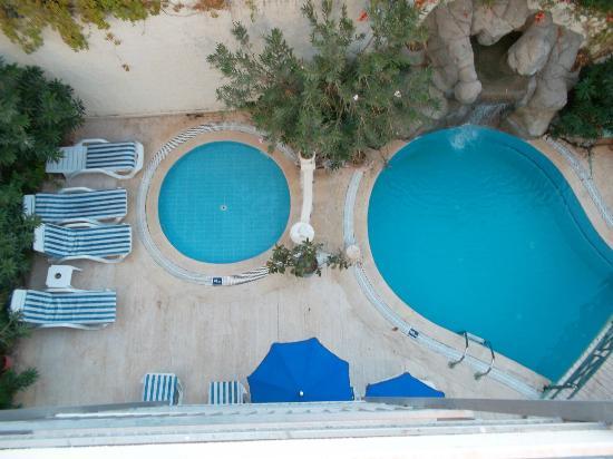 Oasis Apart Hotel: f 