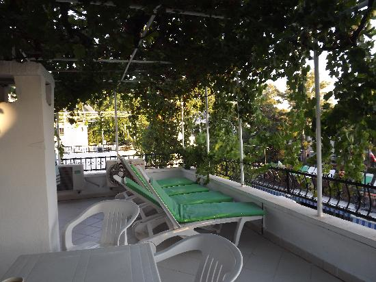 Hotel Istankoy Bodrum: Roof terrace outside Room 410/411